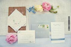 vintage style wedding invites | VIA #WEDDINGPINS.NET