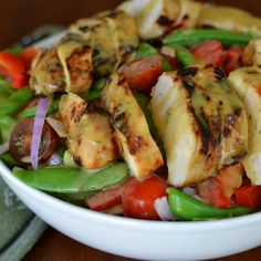 This Honey Mustard Chicken Snap Pea Salad is full of grilled chicken, red peppers, sugar snap peas, grape tomatoes and drizzled in a honey mustard dressing.
