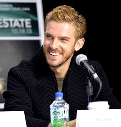 Dan Stevens #fifthestate   Can you get any better looking Dan?!