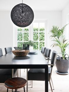 https://i.pinimg.com/236x/53/0b/b3/530bb30a5d96d000e56b6b33a8f2aa9f--natural-interior-interiordesign.jpg