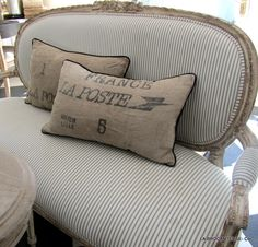 mattress tucking upholstery on french settee. I could do this on my little settee French Furniture, Rustic Furniture, Diy Furniture, Furniture Plans, Furniture Refinishing, Refurbished Furniture, Repurposed Furniture, Refinished Chairs, System Furniture