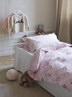 Best bed linens for your home Nursery Bedding Sets Girl, Bed Linen Online, Scandinavian Bedroom, Grey Flooring, Cool Beds, Linen Bedding, Bed Linens, Snug, Kids Room