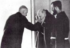 christianitas:  Mons. Marcel Lefebvre con el Padre Pio en San Giovanni Rotondo (1968)