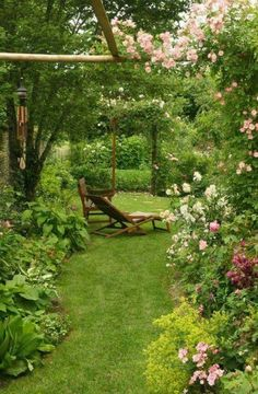Climbing plants for pergola - 20 romantic ideas - Cottage Garten ., Climbing plants for pergola - 20 romantic ideas - Cottage Garten Garden Cottage, Diy Garden, Dream Garden, House With Garden, Small Cottage Garden Ideas, Garden Fences, Herb Garden, Garden Tools, Back Gardens