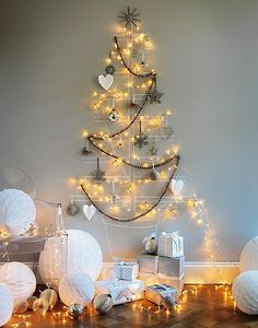 DIY HOME DECOR PROJECTS: DIY Christmas Tree without real Cristmas tree