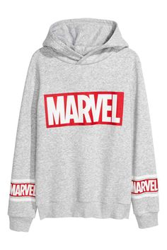 Buy marvel hoodie hoodie is Made To Order, one by one printed so we can control the quality. We use newest DTG Technology to print on to marvel hoodie T Shirt Yarn, T Shirt Diy, Tee Shirts, Marvel Clothes, Avengers Clothes, Tokyo Street Fashion, Mode Hijab, Mode Outfits, Grunge Outfits