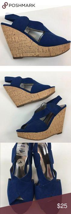 """Carlos Santana wedges SKU: SD15673  Material: Man Made Materials Perfect condition. 4.75"""" heel, 1.25"""" platform. Carlos Santana Shoes Wedges"""