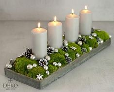Weihnachtsdeko basteln: Adventskranz im Naturlook How-to Christmas Advent Wreath, Christmas Candles, Noel Christmas, Christmas Centerpieces, Xmas Decorations, Christmas Crafts, Advent Wreaths, Nordic Christmas, Simple Christmas