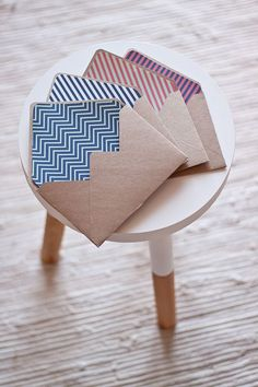 FREE printable: handmade kraft #envelopes with a selection of graphic liners #chevron #stripes