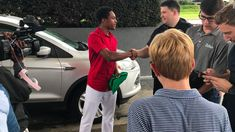 He walked all night to be on time for his first day of work. His boss was so impressed he gave him a car — CNN First Day Of Work, Day Work, One Day, Good News Stories, Feel Good Stories, Feel Good News, Uplifting News, Small Acts Of Kindness, Positive News