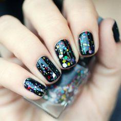 // CIRQUE Kaleidoscope by Pshiiit ! Nail Art Vernis, Nail Manicure, Nail Polish, Love Nails, Fun Nails, Moustache Nails, Carnival Nails, Jolie Nail Art, Nail Art Pictures