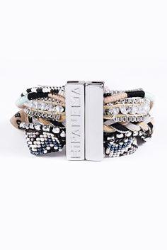 Hipanema - Bracelet Shadow noir chez Urban Outfitters