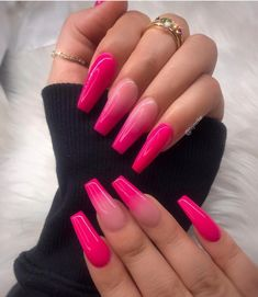 How to choose your fake nails? - My Nails Nails Yellow, Neon Pink Nails, Summer Acrylic Nails, Cute Acrylic Nails, Barbie Pink Nails, Pink Acrylics, Gradient Nails, Pink Nail Art, Color Nails