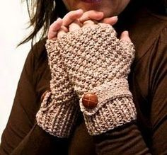 Knitted Gloves - fingerless gloves knitting project  http://www.mycraftkingdom.com
