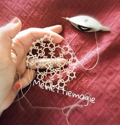 merlettiemagie - #chiacchierino #centrino #casa #tatting #home #house #lavorando #working #frivolitetatting #frivolite #artigianato #handmade #fattoamano #filo #prezioso #merlettiemagie