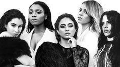 """O Fifth Harmony chegou ao Reino Unido nesta semana para a divulgação de seu segundo álbum de estúdio, """"7/27"""". As cantoras visitaram o Live Lounge da rádio BBC na manhã desta quinta-feira (7), e além de fazer uma performance do single """"Work From Home (Feat. Ty Dolla $ign)"""",o quinteto apresentou um cover de """"Ex's & Oh's"""", de Elle King. Incluindo ainda a promocional """"The Life"""", o próximo disco do grupo chega às lojas em 20 de maio."""