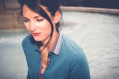 reflections : polo bleu et pantalon blanc - we are fashionable Photos Du, Portable, Tour, Reflection, About Me Blog, Turquoise, Fashion, Welcome, Bonjour