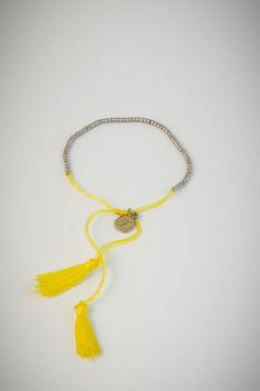 Yellow bracelet with small silver beads. Low Stock, Silver Beads, Tassel Necklace, Jewels, Yellow, Bracelets, Diy, Bangle Bracelets, Do It Yourself
