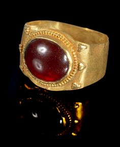 Ancient to Medieval (And Slightly Later) History - Roman Gold and Garnet Ring, Century AD Roman Jewelry, Gold Rings Jewelry, Garnet Jewelry, Viking Jewelry, Ancient Jewelry, Jewellery, Vintage Gold Rings, Antique Rings, Antique Gold