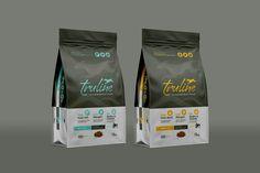 Food Branding, Food Packaging Design, Brand Packaging, Branding Design, Bag Design, Food Design, Dog Food Brands, Pet Food, Package Design