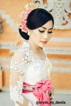 Balinese wedding kebaya