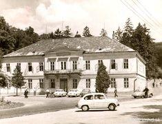 Bratislava, Japan Garden, Fiat 500, Old City, Times, Mansions, House Styles, Nostalgia, Old Town