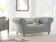 Young Bean chesterfield love seat