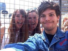 Louis is a Special Child :D Lol<<< i would kill for a picture like this.