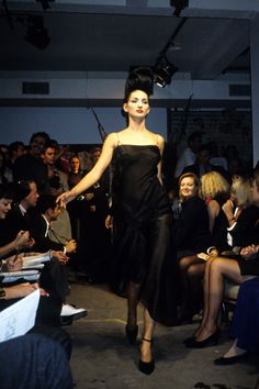 See the complete John Galliano Spring 1995 Ready-to-Wear collection.