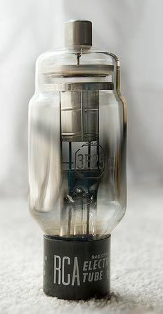 Vintage audio vacuum tube RCA 3B25