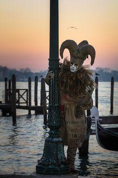 Die schönsten Bilder von Venedig.... Carnival Of Venice, Lion Sculpture, Italy, Statue, Photography, Art, Pretty Pictures, Nice Asses, Fotografie