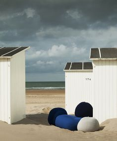 Colourful Bonnet outdoor puffs. Interior design textiles by Casalis. http://www.casalis.be/