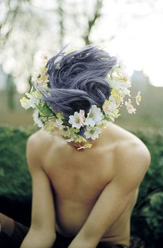 #beautiful #pale #slender #thin #pastel #goth #boy #flowers #floral #crown #headpiece #lavender #light #purple #grey #gray #colored #dyed #hair #hairstyle #shirtless #fey