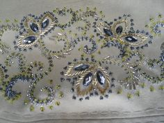 вышивка бисером на одежде схемы: 21 тыс изображений найдено в Яндекс.Картинках