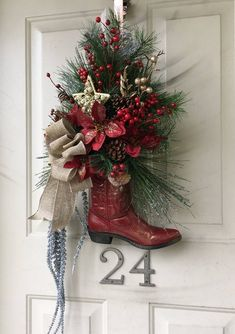 cowboy boot wreath cowboy christmas country christmas western christmas decorations country living decorations