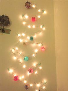 Árbol de navidad con luces y decorado con origami #origami #DIY #navidad