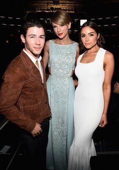 Pin for Later: Seht Taylor Swift, Nick Jonas und alle anderen Stars bei den ACM Awards Nick Jonas, Taylor Swift und Olivia Culpo