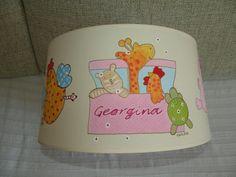Pantalla pintada a mano para Georgina, quien está a punto de nacer.  Ya queremos verte nenaaaa¡