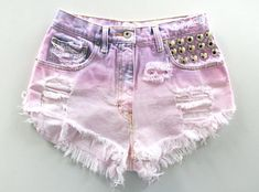 DIY Dip Dye Denim Shorts. Also has DIY cutoffs and neon.