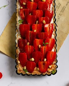 Strawberry tart with pine nuts and mascarpone cream recipe Mascarpone Cream Recipe, Strawberry Tart, Shortcrust Pastry, Homemade Pie, Dessert Recipes, Desserts, Custard, Pine, Dishes