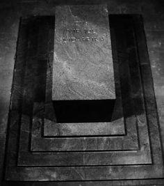 Hierdie kaartjie onlangs in 'n pandwinkel in Margate gekry. Hulle het na ons Erfporsie kom kyk. Armed Conflict, Monuments, Van, African, Quotes, Quotations, Qoutes, Vans, Archaeological Site