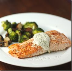 Chipotle salmon with dill sauce