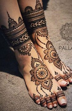Explore Best Mehendi Designs and share with your friends. It's simple Mehendi Designs which can be easy to use. Find more Mehndi Designs , Simple Mehendi Designs, Pakistani Mehendi Designs, Arabic Mehendi Designs here. Dulhan Mehndi Designs, Mehandi Designs, Legs Mehndi Design, Mehndi Designs 2018, Mehndi Design Pictures, Mehndi Designs For Hands, Henna Hand Designs, Wedding Henna Designs, Engagement Mehndi Designs