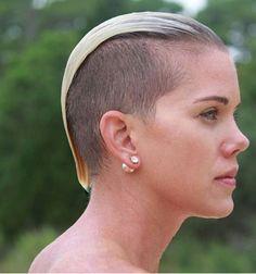 Die 317 Besten Bilder Von Sidecut Frisuren Sidecut Und