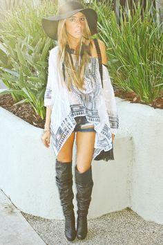 bohemian boho style hippy hippie chic bohème vibe gypsy fashion indie folk look outfit Gypsy Style, Hippie Style, Bohemian Style, My Style, Bohemian Hair, Style Hair, Bohemian Gypsy, Girl Style, Mode Hippie