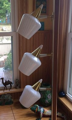 VINTAGE RETRO MIDCENTURY MODERN ERA WHITE GLASS SHADE TENSION POLE LAMP NICE