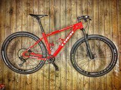 Hotovo a moze sa zacat trenovat  #bajkula #custom #bike #ready #crosscountry #race #dtswisshubs #dtswisswheels #dtswiss #custombike #trek #trekbikes #trekfactoryracing #trekprojectone #trekprocaliber #sram #srameagle #srameaglexx1 #bontragerxxx #bontrager #bakula #bajkulariders #bajkulabikers