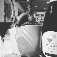 Castagnino! @fabriziodionisio #fabriziodionisio #syrah #Cortona #castagnino #glass #instawine #instasaily #winelocers #lawineria #tuscany #instagram #instawine #lawineria #enoteca #ristorante #winebar #lawineriaofficial #vino #weine #wine #arezzo #visitarezzo #food #lawineriaarezzo #instawine #toscana #winelovers #visitarezzo #igersarezzo #igersitalia #label #vinorosso #goodwine #blackandwhite http://www.butimag.com/ristorante/post/1467551565187834958_3407003794/?code=BRdyl-EluRO