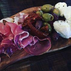 Antipasti  #yummy #foodporn #foodlover #foodie #mozzarella #prosciutto #foodstagram #foodpic by elo.laspergebleue