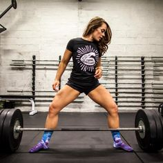 This fit and relatable powerlifter shares her motivating story with us and gives us a little background on herself and why powerlifting is so awesome! # Fitness mulher Why This Powerlifter Loves Her Body More Than Ever Powerlifting Women, Powerlifting Motivation, Olympic Weightlifting Women, Crossfit Motivation, Women Who Lift, Girls Who Lift, Gym Girls, Jiu Jitsu, Salon Logo